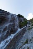 Wasserfall auf dem Weg zu Grossglockner, Österreich Lizenzfreie Stockbilder