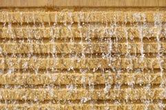 Wasserfall auf die Wand Stockfoto
