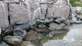 Wasserfall auf großen Steinen stock video footage