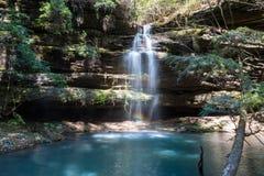 Wasserfall in bankhead staatlichem Wald in Alabama lizenzfreies stockfoto