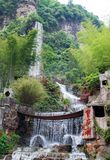 Wasserfall am Baofeng See Stockbild