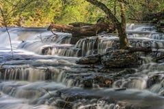 Wasserfall bei Burgess Falls State Park Lizenzfreie Stockfotos
