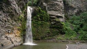 Wasserfall bei Havana Glen Loop stock footage