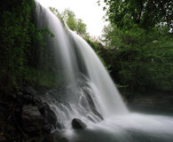 Wasserfall bekannt als Santa Margarida Lizenzfreie Stockbilder
