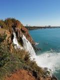 Wasserfall DÃ ¼ Höhle stockfotografie