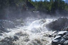 Wasserfall in den italienischen Alpen Lizenzfreies Stockbild