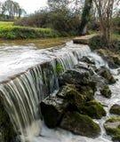 Wasserfall in der Bewegung Stockbild