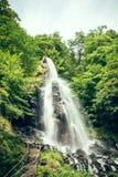 Wasserfall in der Natur Lizenzfreie Stockfotografie