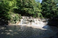 Wasserfall des Kaukasus Stockfotografie