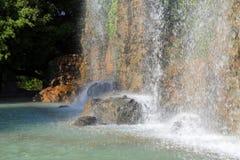Wasserfall des Schloss-Hügels in Nizza, Frankreich lizenzfreies stockfoto