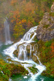 Wasserfall die Plitvice Seen am Herbst Stockbild