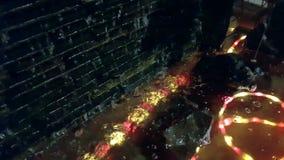 Wasserfall geschmückt mit Lichtern stock footage