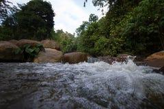 Wasserfall-Hintergrund-Landschaften Stockfotos