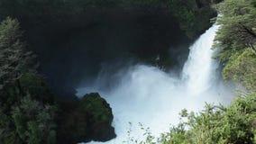 Wasserfall Huilo Huilo, Chile stock footage