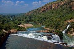 Wasserfall im Krokodilfluß durch Hartbeespoortdam Lizenzfreies Stockbild