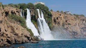 Wasserfall im Mittelmeer Antalya, die Türkei Lizenzfreie Stockfotografie