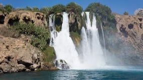 Wasserfall im Mittelmeer Antalya, die Türkei Lizenzfreie Stockbilder