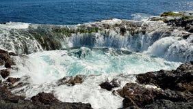 Wasserfall im natürlichen Pool, Küste von Gran Canaria, Kanarische Inseln Lizenzfreies Stockfoto