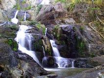 Wasserfall im Nationalpark, Thailand Lizenzfreies Stockfoto