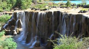 Wasserfall im Tal des blauen Mondes, Lijiang, China Stockfoto