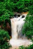 Wasserfall im Thailand. Stockfotos