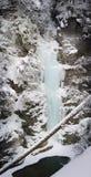 Wasserfall im Winter Stockfotografie