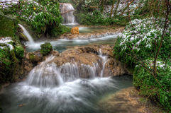 Wasserfall im Winter Stockbild
