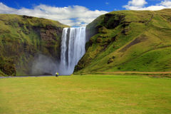 Wasserfall, Island lizenzfreies stockbild