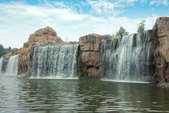 Wasserfall künstlich Stockbilder