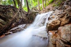 Wasserfall-lange Berührung Lizenzfreies Stockfoto