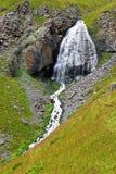 Wasserfall-mädchenhafte Borten zwischen den Bergen von Nord-Cauca Stockfotos