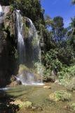 Wasserfall mit Pool Lizenzfreies Stockfoto
