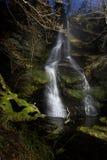 Wasserfall nachts Stockfotos