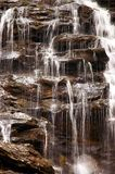 Wasserfall-Nahaufnahme lizenzfreie stockfotografie