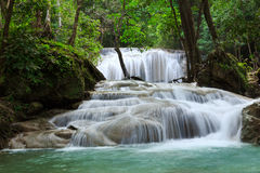Wasserfall in Nationalpark Erawan, Niveau 1 Lizenzfreie Stockbilder