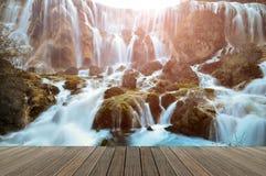 Wasserfall in Nationalpark Jiuzhaigou, China stockbild