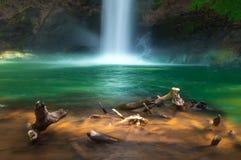 Wasserfall in Natur am LAO-Land Lizenzfreie Stockbilder