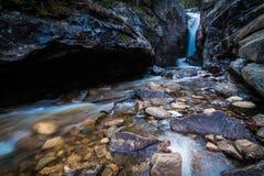 Wasserfall-Nebenfluss Lizenzfreie Stockfotos