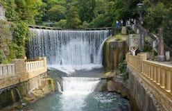 Wasserfall in neuem Athos lizenzfreies stockfoto