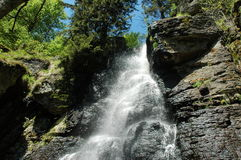 Wasserfall in Slowakei stockbild