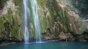 Wasserfall-Sprung Limon-Stadt. Las Terrenas. Dominikanisch lizenzfreie stockfotografie