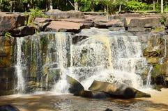 Wasserfall in Tad Tone National Park lizenzfreie stockfotografie