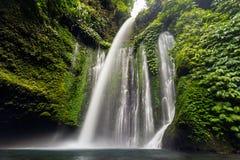 Wasserfall Tiu Kelep lizenzfreie stockfotografie