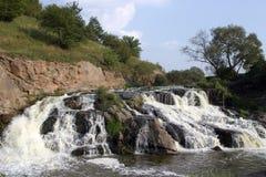 Wasserfall in Ukraine Lizenzfreies Stockbild