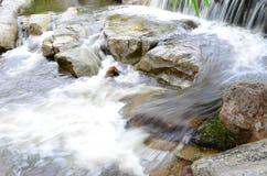 Wasserfall und Dampf Stockfotos