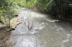 Wasserfall und Dampf Lizenzfreie Stockfotos