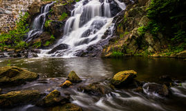 Wasserfall und Kaskaden auf Antietam Creek nahe Lesung, Pennsylva stockfotografie