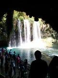 Wasserfall und magara Lizenzfreie Stockfotos