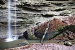 Wasserfall und Pool Lizenzfreies Stockbild