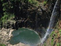 Wasserfall und -teich Stockfotos